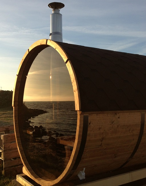 barrel sauna with glass wall